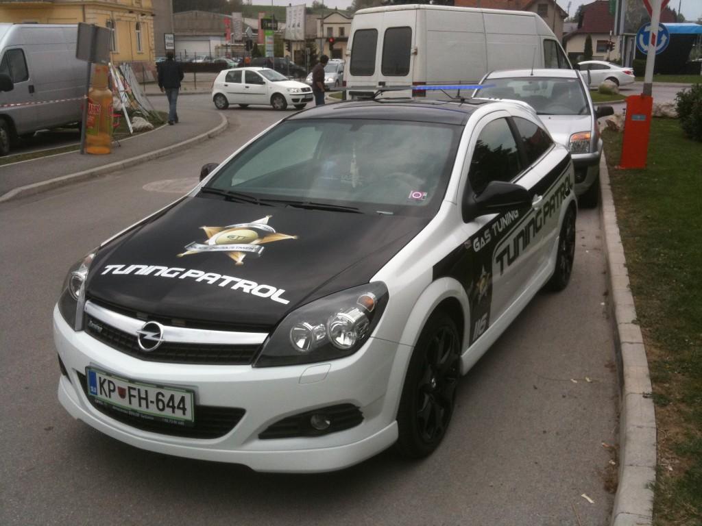 Opel vectra MVM carwrap
