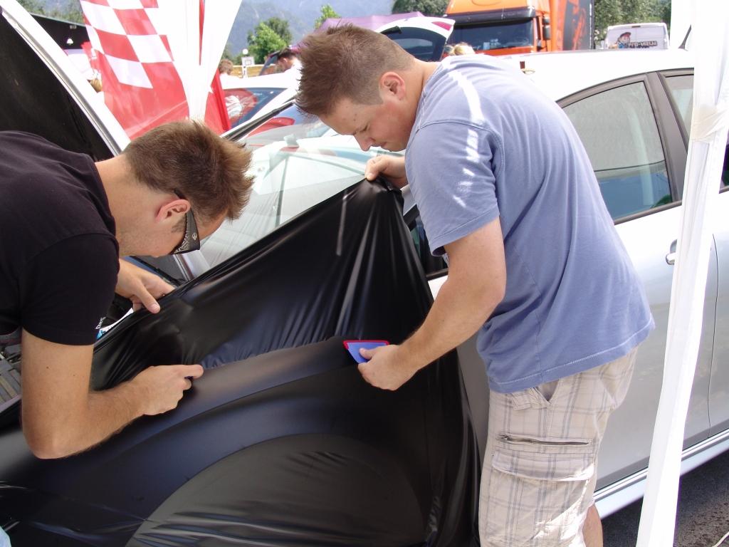 Oblačenje avtomobila Seat Leon v folijo