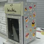 Oblačenje hladilnika v folijo